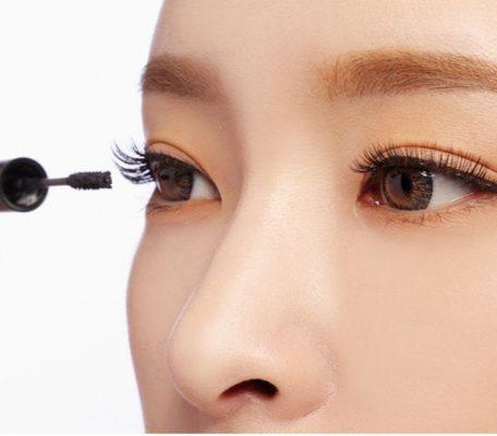 Nối mi trang điểm mắt có được không